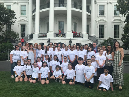 A romp on the White House lawn