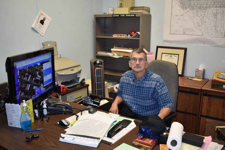 Joe Nichols to retire after 25 years at City Hall